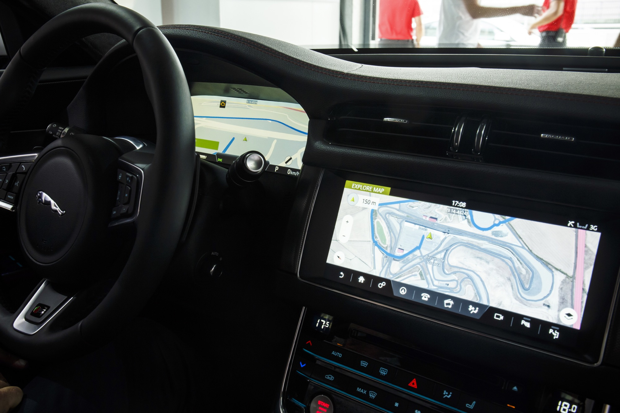 2016-Jaguar-XF-InControl-Pro-2-1.jpg